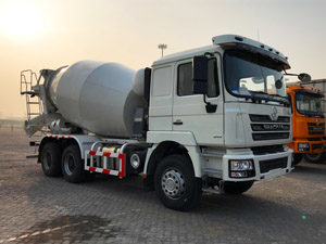 Shacman F3000 6X4 10 cubic meter mixer truck (1)